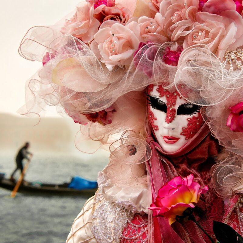 Luxury Wedding in Venice, carnival mask