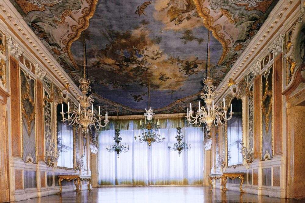 Luxury wedding venue in Venice with Grand Canal view
