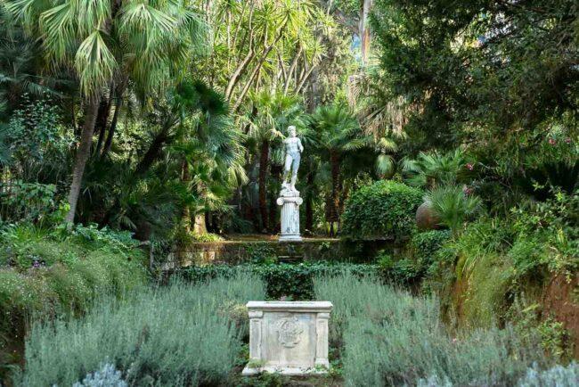 Romantic garden for ceremony in Sorrento