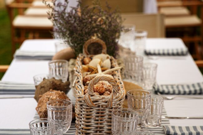 Decors for wedding brunch tables beach style