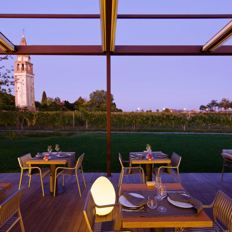 Romantic patio restaurant for weddings in Venice
