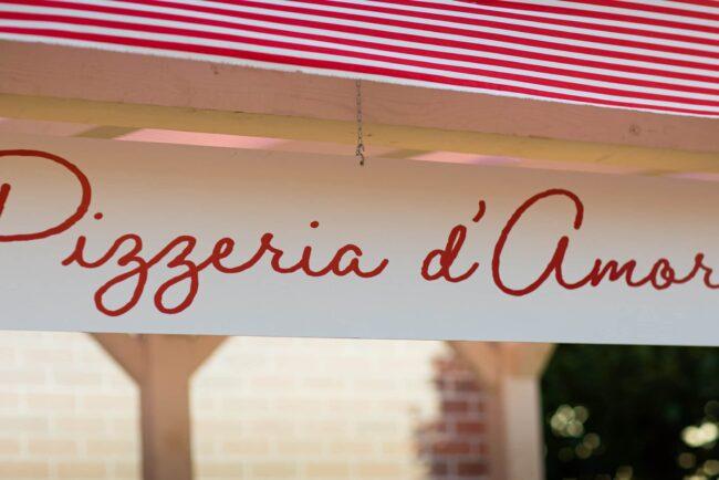 Pizzeria d'Amore sign
