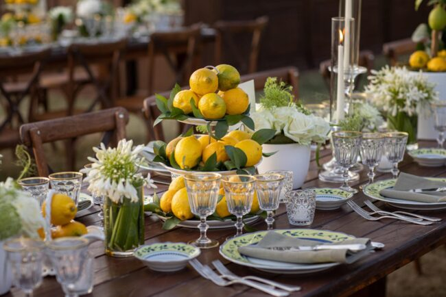 Table decors with lemons