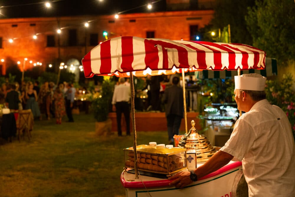 Welcome party in Italy with icecream cart