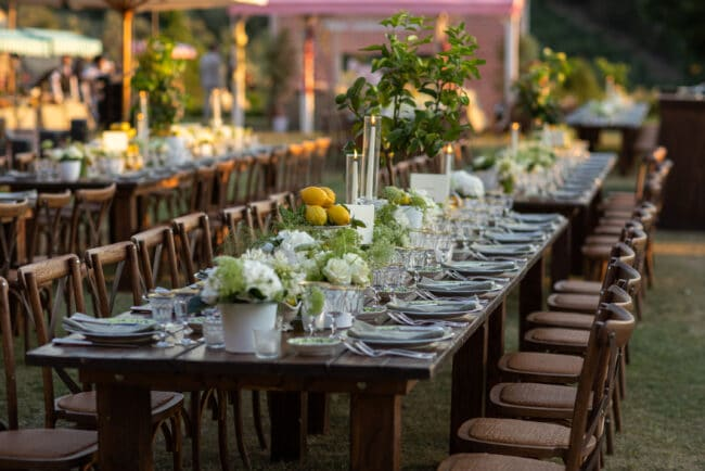 Wooden tables and chairs for a country-chic style