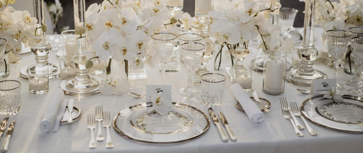 White wedding dinner in Tuscany