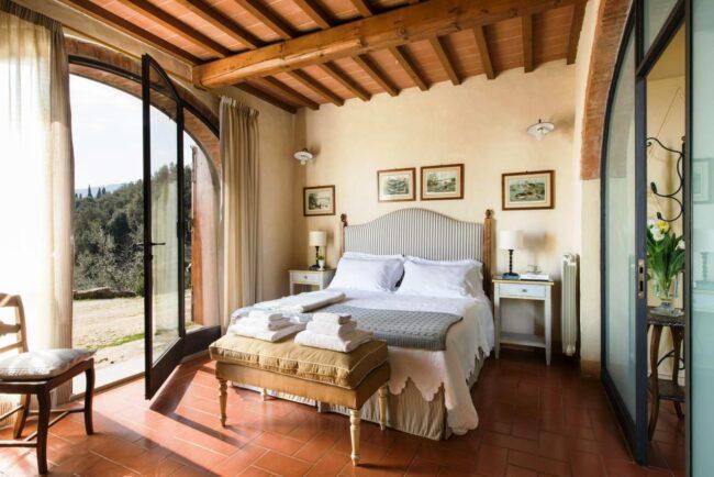 Elegant apartment of the villa in Chianti