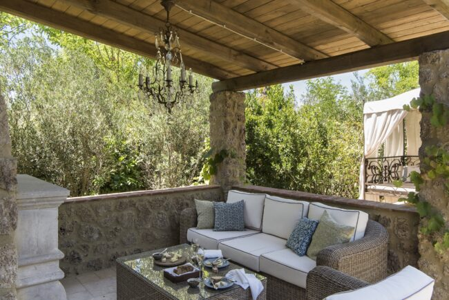 Terrace suite with ivory sofa