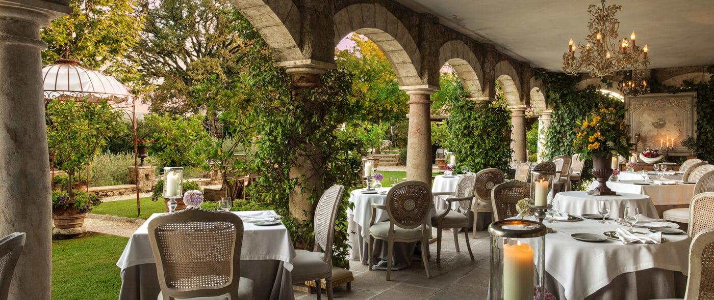 Loggia restaurant luxury hotel Tuscany for weddings